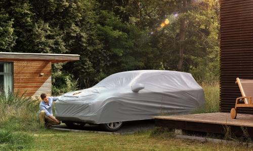 Model Alexander Schmidt Brands Porsche 3 500x300px © Porsche AG